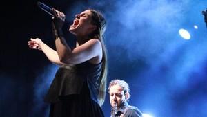 Leire Martínez, en el concierto de La Oreja de Van Gogh en Porta Ferrada.
