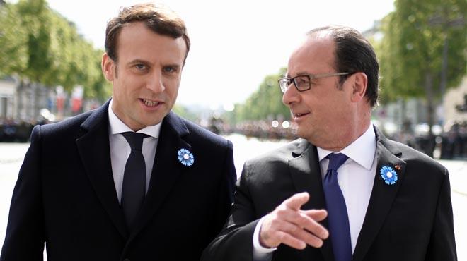 Emmanuel Macron, compareció hoy en París junto a François Hollande, en su primer acto oficial.