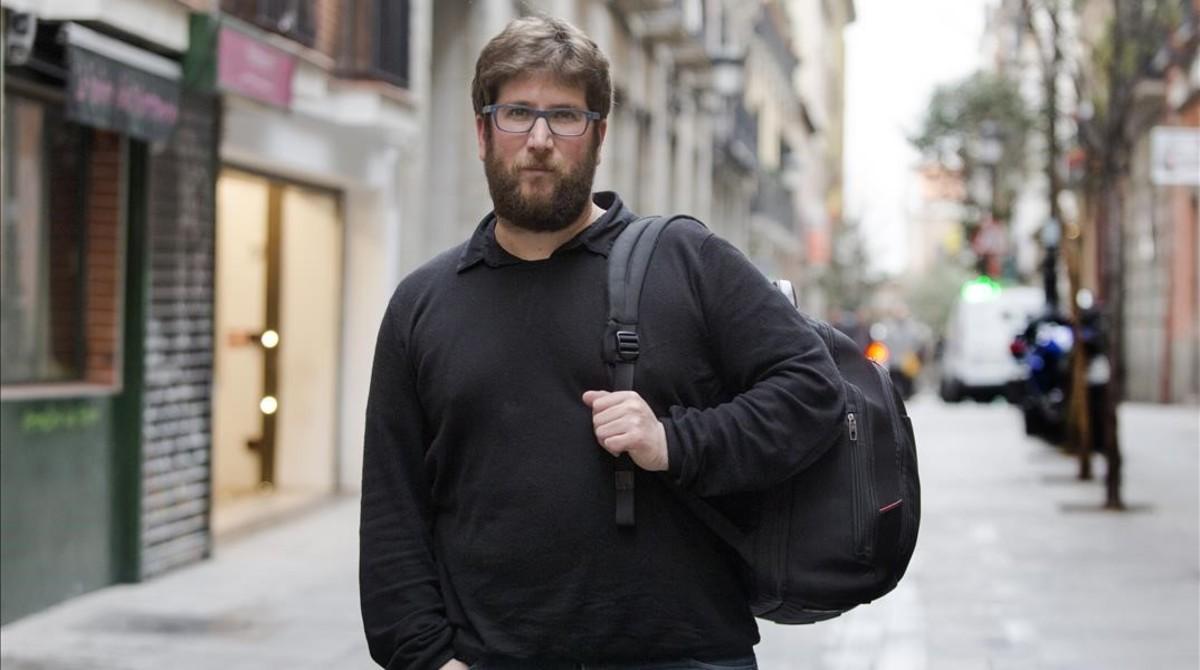 Miguel Urbán, líder anticapitalista en el barrio de Lavapiés, en Madrid.