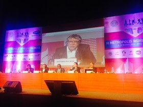 Momento de la intervención de Antonio Balmón en Hyderabad, India, donde se ha celebrado el encuentro anual de las entidades que agrupan las zonas urbanas.