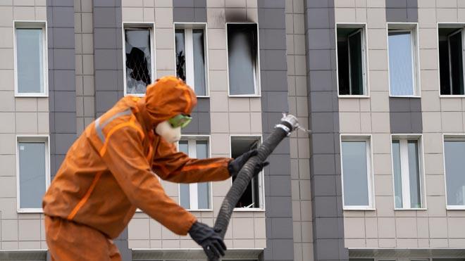 Mueren cinco personas en el incendio de una UCI de un hospital en San Petersburgo.