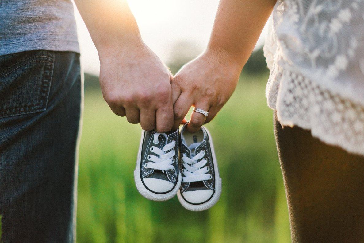 Durante el primer año podemos gastar entre un mínimo 5.850 euros a un máximo de 8.812 euros de media, para criar un hijo.