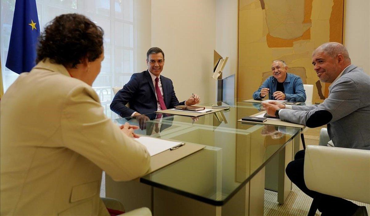 Los sindicatos piden a Sánchez que negocie ya un programa con Iglesias