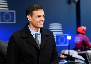 Pedro Sánchez, a su llegada a la cumbre del Consejo Europeo, este domingo en Bruselas.