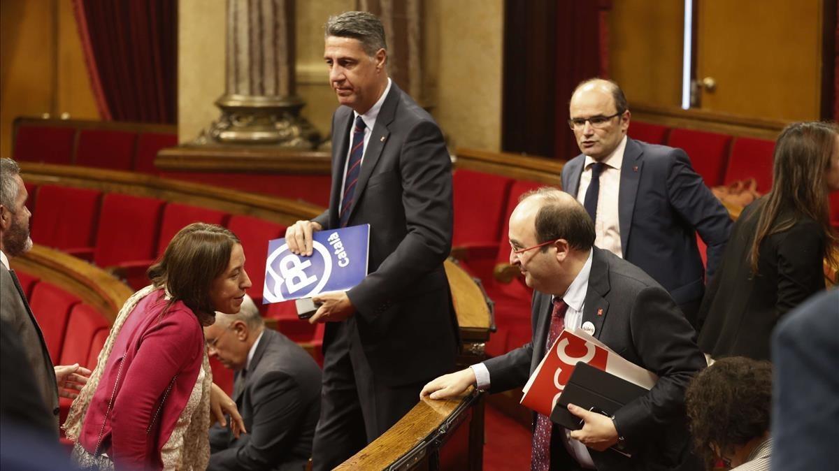 Xavier García Albiol, en el centro, este martes en el Parlament.