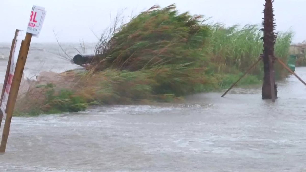 El huracán Sally avanza a paso de tortuga y con vientos ligeramente inferiores a los de esta mañana hacia la costa norte del Golfo de México, donde tocará tierra esta noche o el miércoles y puede producir inundaciones históricas, según el Centro Nacional de Huracanes (NHC) de EE.UU.