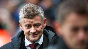 Solskjaer abandona St James Park tras perder con el Newcastle.
