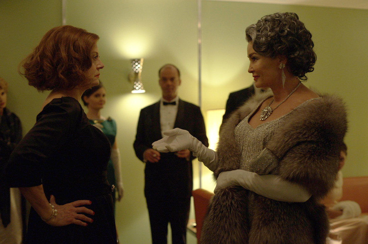 Susan Sarandon (Bette Davis) y Jessica Lange (Joan Crawford), en la serie 'FEUD: Bette and Joan'.