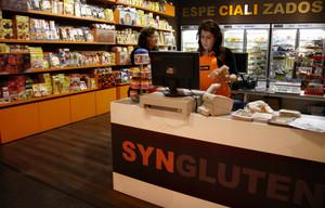 Tienda de alimentación para celiacos, en el centro comercial Diagonal Mar, en Barcelona.