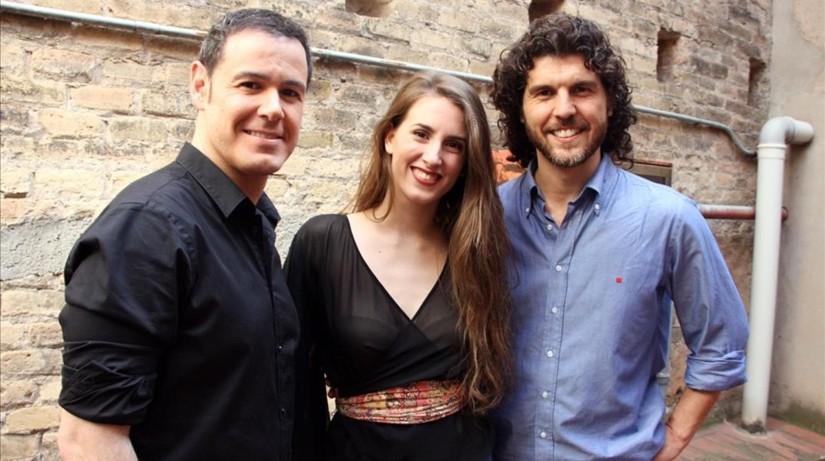 De izquierda a derecha, Iván Labanda,Ana San Martín y Toni Vinyals, protagonistas de Scaramouche, el nuevo musical de Dagoll Dagom.