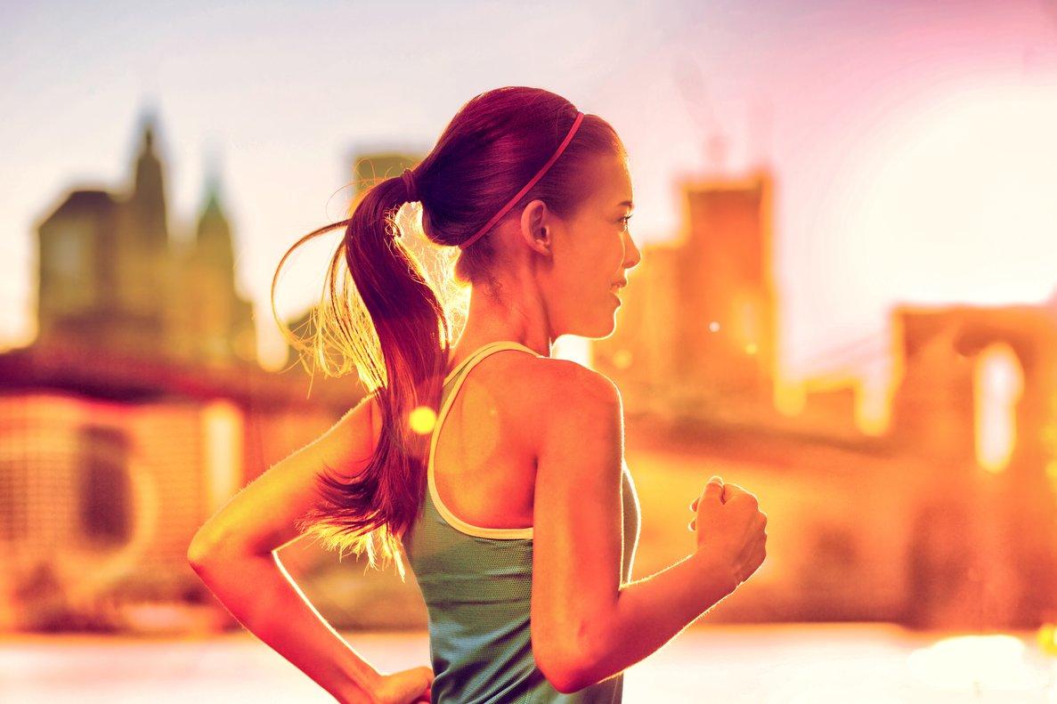 Una chica practicando 'running'.