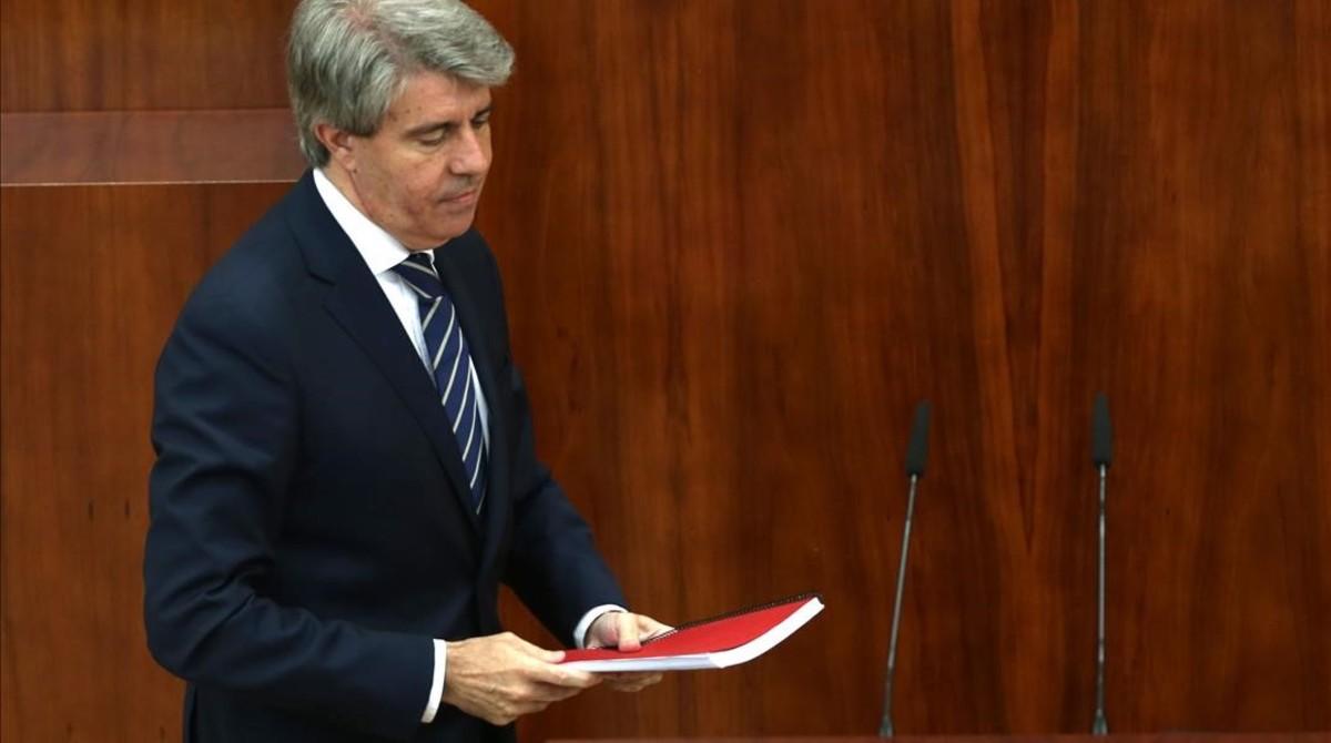 El candidato a presidente de la Comunidad de Madrid, Ángel Garrido, durante el pleno de investidura.