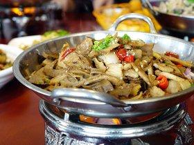 Un restaurant xinès la fa grossa creant cinc grups de Whatsapp a Múrcia