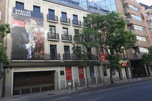 Fachada de la sede del PSOE en Ferraz.