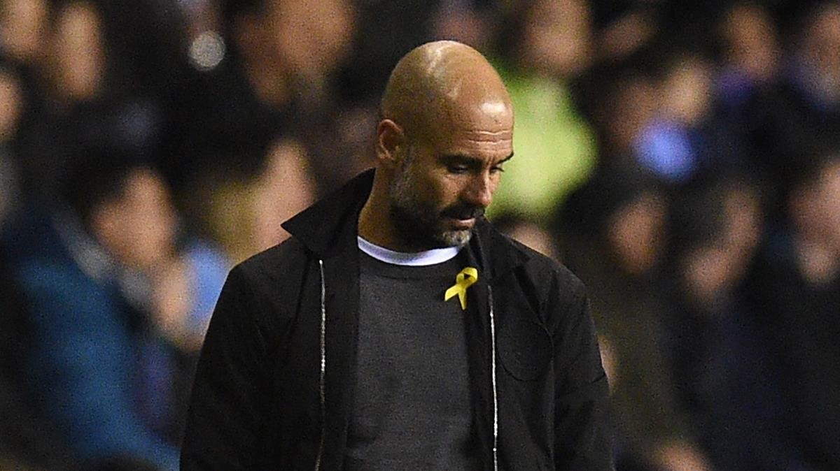 La federació anglesa de futbol expedienta Guardiola pel llaç groc