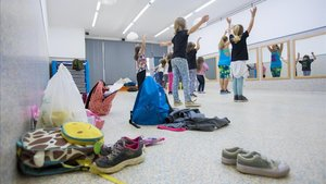 Actividad extraescolar en una escuela del barrio del Poblenou.
