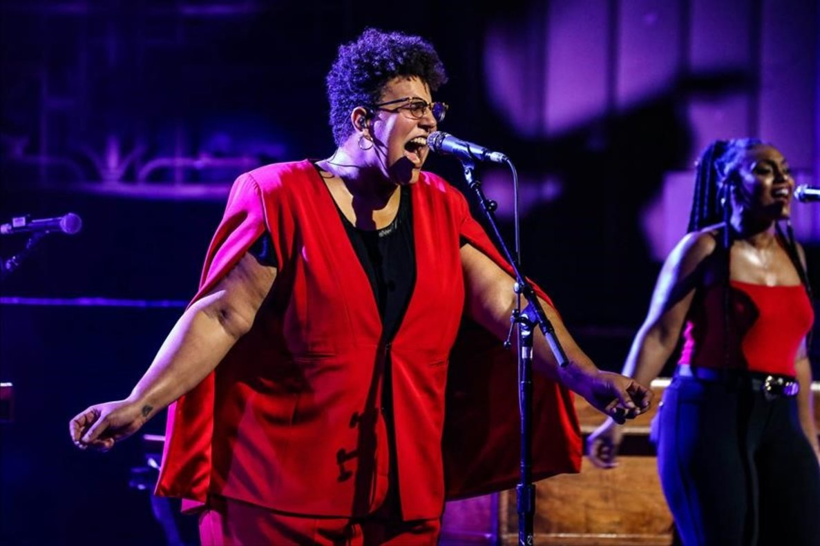 Brittany Howard actúa en el Earth Hackney de Londres.