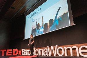 Iría Marañón, en laconferencia TEDxBarcelonaWomen.