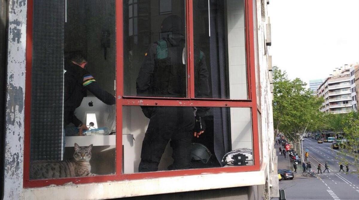 Los Narcotraficantes Est N De Mudanzas # Muebles Guardia