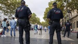jjubierre40077104 barcelona 12 9 2017 control de mossos en la rambla a la al170912200416