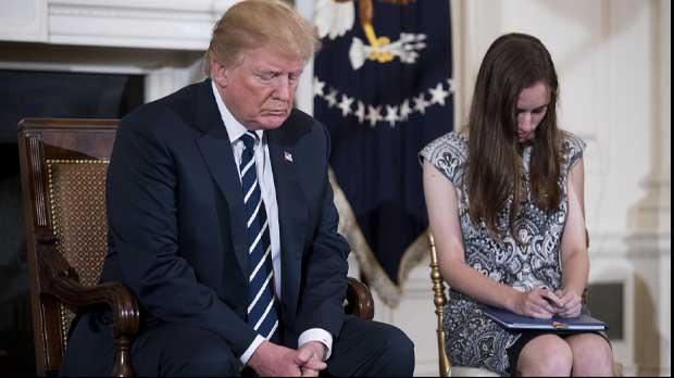 Trump recibe a los supervivientes de Parkland y propone armar a los profesores
