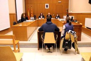 El acusado de violar a una chica tutelada en Sabadell declarando en la Sección 8ª de la Audiencia Provincial de Barcelona.