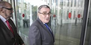 El alcalde de Lleida, Àngel Ros, en la Ciudad de la Justicia cuando fue a declarar el pasado 1 de octubre.