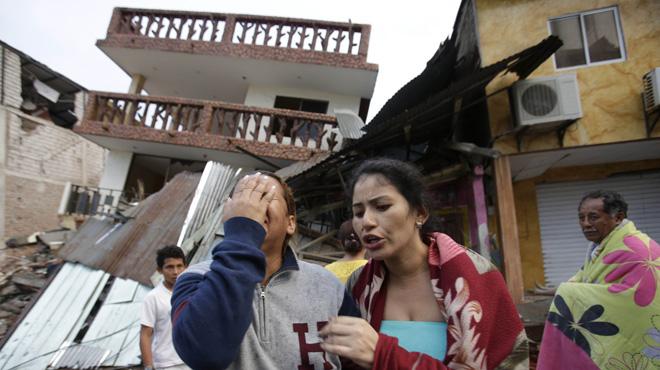 Ascienden a más de 235muertos tras el devastador terremoto de 7,8 grados en la costa de Ecuador