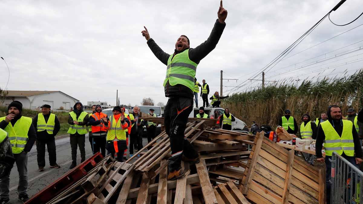 Continúan las protestas de los Chalecos amarillos en Francia.