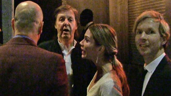 Paul McCartney, con la puerta en las narices en la fiesta de los Grammy.