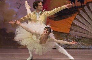 Dimitri Zagrebin y Rebecca Storani en el'Don Quijote' del Ballet de Catalunya en el Centre Cultural Terrassa.