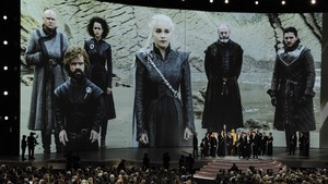 El equipo de Juego de tronos, en la ceremonia de los Emmy en el Microsoft Theatre de Los Ángeles