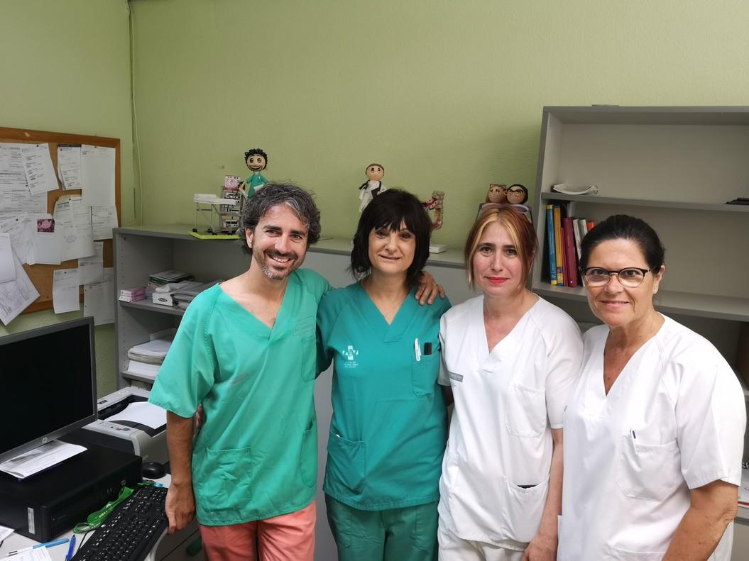 El equipo médico del Hospital de Sagunto que ha realizado el trasplante de heces.