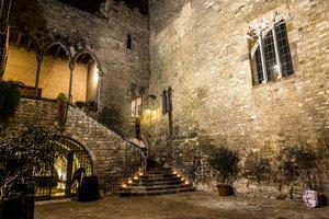 El Requesens,el palacio medieval más antiguo que se conserva en la ciudad.