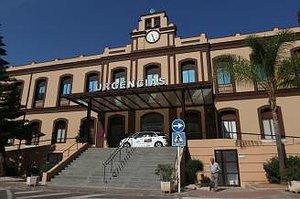 Fachada del Hospital Civil de Málaga.