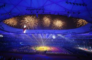 Fuegos artificiales durante la inauguración de los juegos paralímpicos de Pekín 2008, en el Nido de Pájaros.