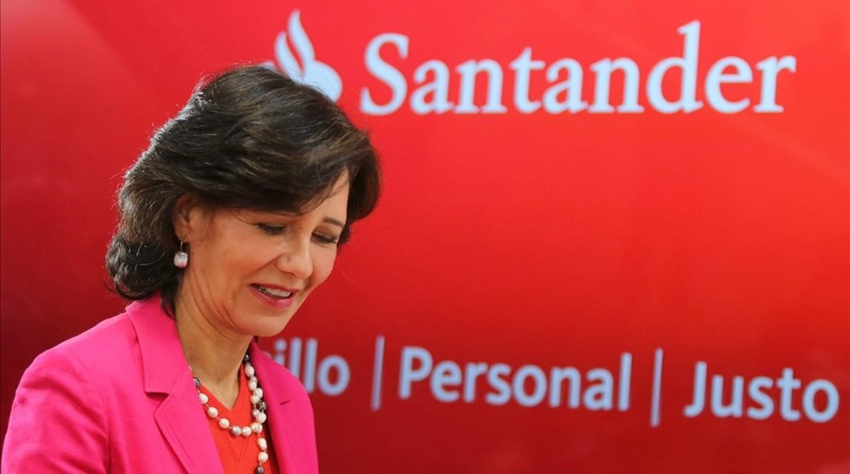 La presidenta del Santander, Ana Botín, durante unarueda de prensa en Madrid.