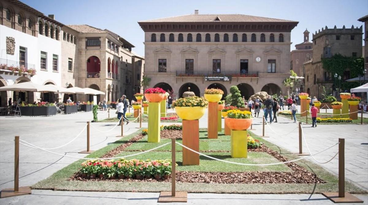 Una edición anterior del festival De floren flor del Poble Espanyol.
