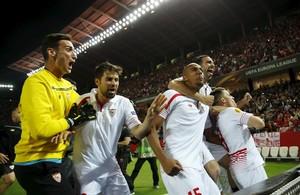 El Sevilla, als penals, i el Vila-real passen a semifinals