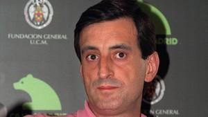 Julio Martínez Mesanza, premio nacional de poesía del Ministerio de Cultura 2017, en una imagen de archivo.