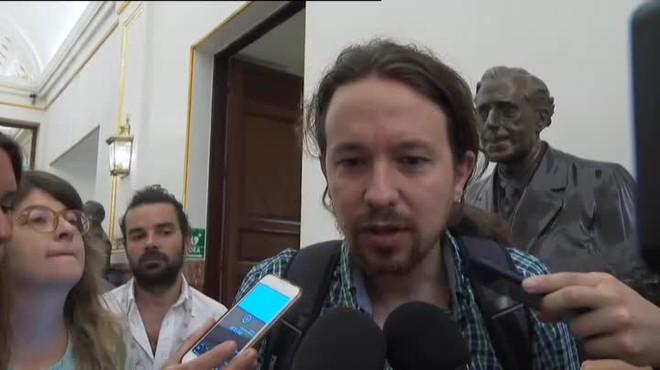 Iglesias demana per primera vegada explicacions a Sánchez pels seus suposats plagis