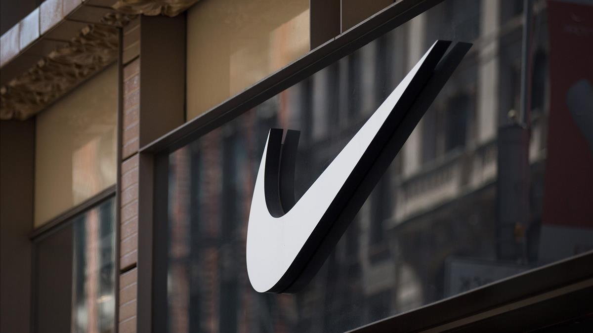 El logo de Nike, en su tienda de Nueva York; la multinacional es una de las protagonistas de los papeles del paraíso.