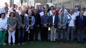 Miembros de la Plataforma dEntitats Culturals y representantes de algunas instituciones adheridas, en la presentación del manifiesto.