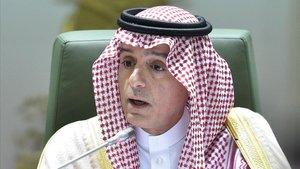 El ministro de Asuntos Exteriores Adel al-Jubeir durante una rueda de prensa en Riad.