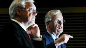 El ministro britanico para el brexit David Davis y el negociador jefe de la UE Michel Barnier.