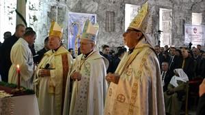 Ceremonia religiosa en la iglesia de San Pablo de Mosul.