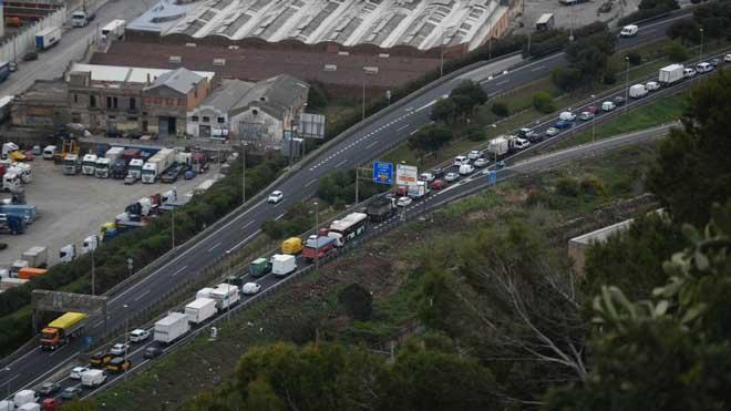Retencions de trànsit a les sortides de Barcelona per segon cap de setmana consecutiu