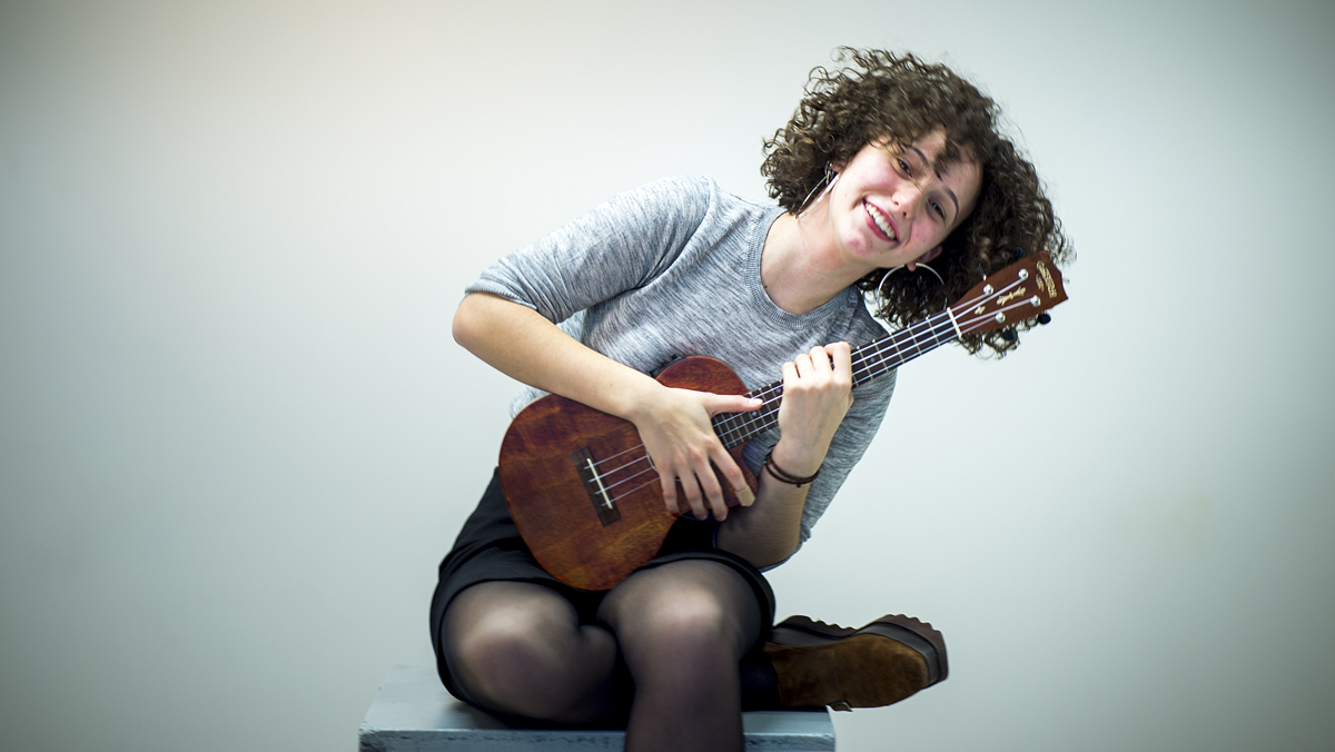 Música Directa: Paula Valls en acústic interpreta...
