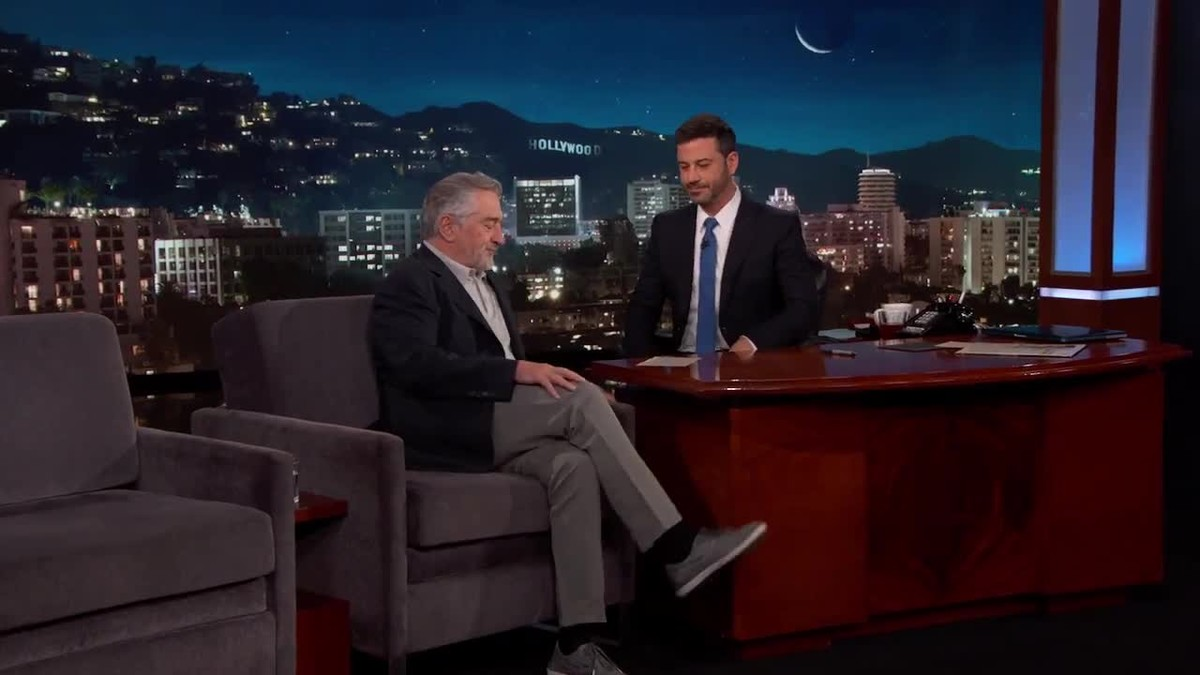 Entrevista a Robert de Niro en què l'actor canvia d'opinió i diu que ara no li clavaria un cop de puny a Trump.