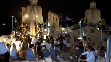 La Pedrera ofrece música, copas, una original visita y cenas románticas